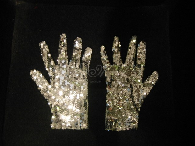 Michael Jackson Billie Jean Gloves with Silver Sequin