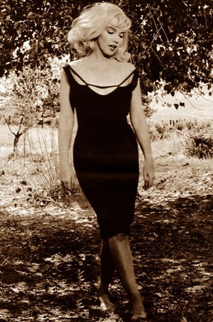 Marilyn Monroe Black Sling Dress